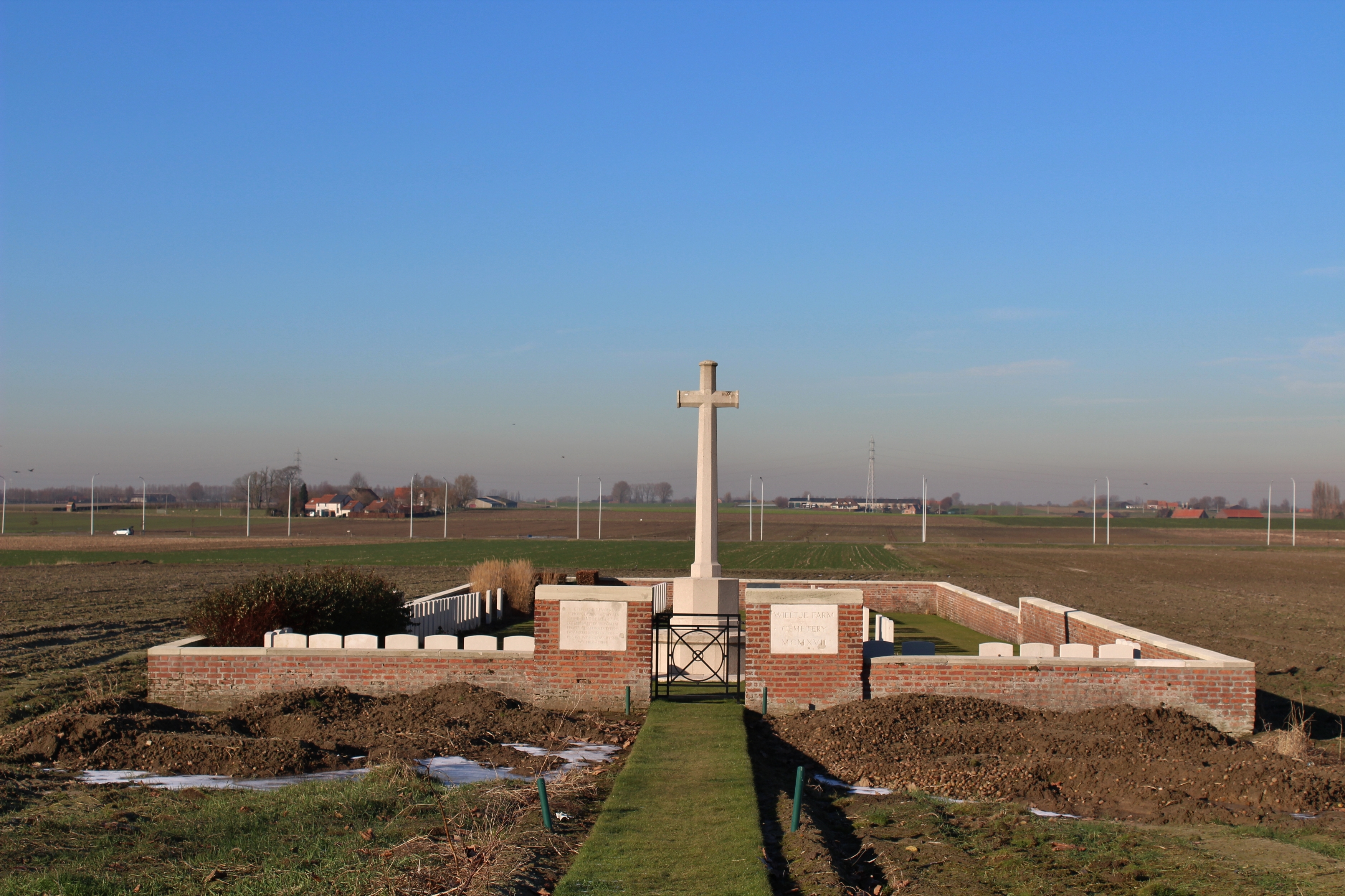 Wieltje Farm Cemetery | With the British Army in Flanders & France